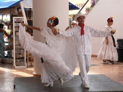 Mexican Folk Dancers of Cozumel 2.jpg