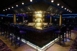 Bar area of Bliss Club Norwegian EPIC.jpg