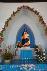 Virgin Mary and Baby Jesus statue inside Chapel of Our Lady of Alto Vista in Aruba.jpg