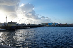View of Queen Emma Pontoon Bridge from Punda Willemstad Curacao.jpg