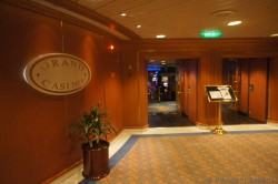 Entrance area to Sapphire Princess Grand Casino.jpg