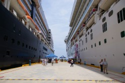 Norwegian Pearl & Holland America Westerdam docked in Huatulco.jpg