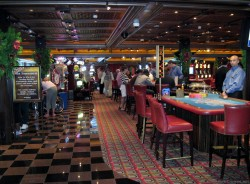 Carnival Pride Casino tables busy.jpg