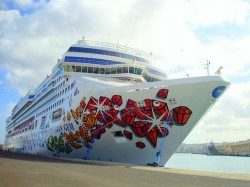 The Norwegian Gem Docked.jpg