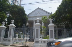 Home with Roman pillars and gate in Cartagena Colombia.jpg
