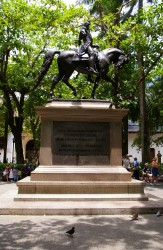 Man on Horse statue near Plaza Santo Domingo Cartegena Columbia.jpg