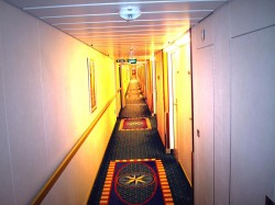 Royal Caribbean Majesty of the Seas Hallway.jpg