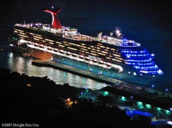 Carnival Glory at night.jpg