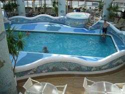 Indoor pool of the Grand Princess ship.jpg