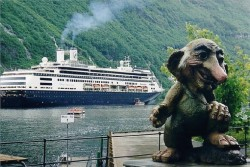 The Rotterdam ship in Geiranger, Norway.jpg