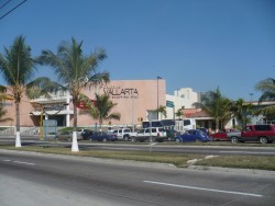 The Puerto Vallerta Galleria shopping mall.JPG