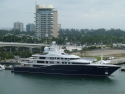 Cakewalk yacht docked at Port Everglades.jpg