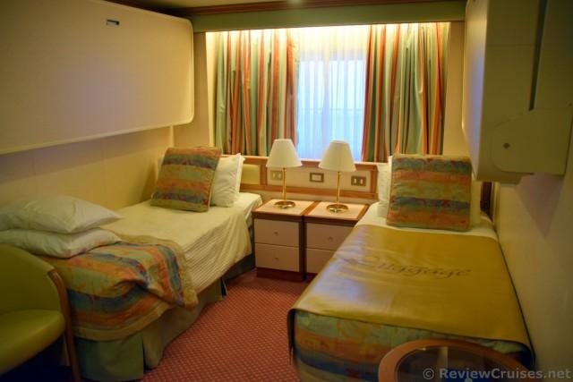 Emerald Princess Oceanview Cabin Twin Beds Configuration