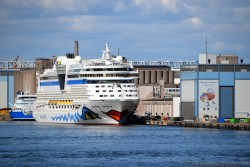 AIDA Diva in Helsinki Showing Smiling Woman's Lips.jpg
