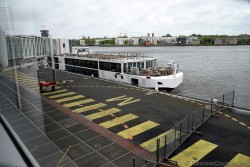 Viking Alsvin River Cruise Bat docked at Amsterdam Cruise Port.jpg