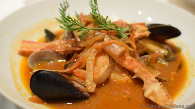 West Coast-Style Seafood Cioppino (clams, mussels, shrimps ...