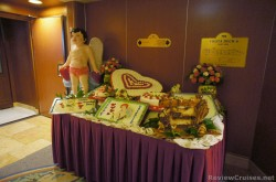 Valentine decor table outside dining room Caribbean Princess - Copy.jpg
